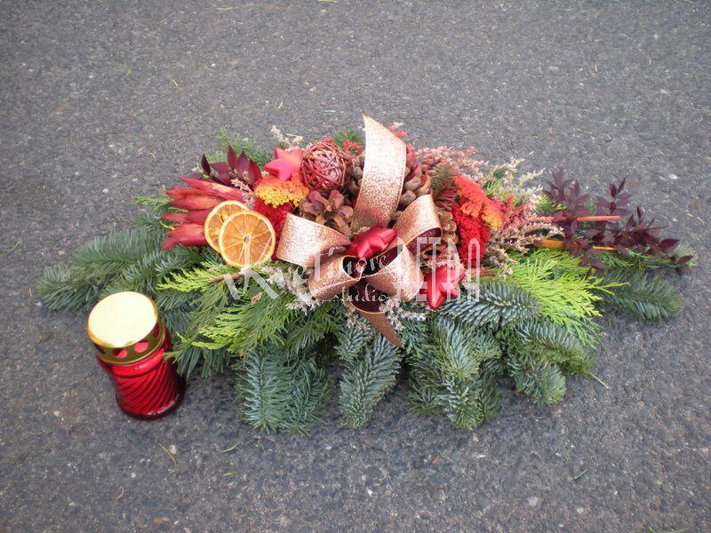 c527f27d1 Vánoční dekorace na hrob č.31